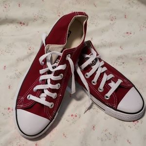 NWOB Burgundy Converse All Star
